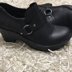 Born Heeled Leather Clogs Size 7.5🖤🖤🖤🖤